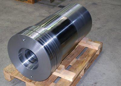 Kolben ø 550 x 1600 mm tieflochgebohrt
