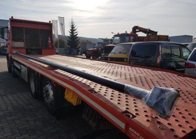 Zylinder mit einer Länge von 9 Metern