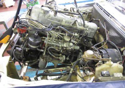 Aus - Einbau Merc. Pagode Motor