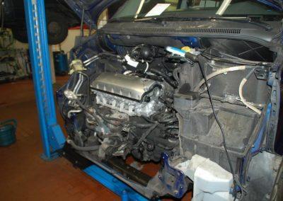 Aus - Einbau VW T5 Motor