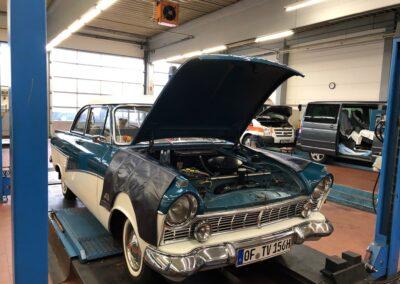 Oldtimer Ford Taunus komplettüberholt