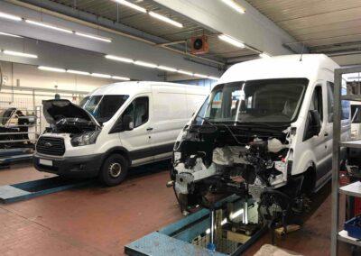 Wartung leichter Nutzfahrzeuge - Ford Transit