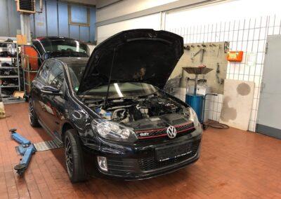 Motorencheck eines VW Golfs